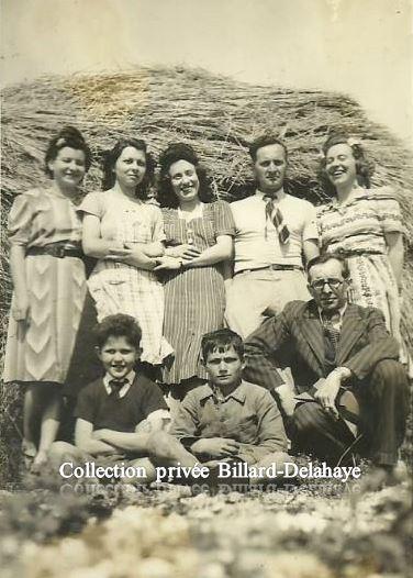 1942 - Jeanne et France PERIN sont avec leurs cousins de PONS  (17).