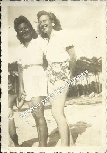 1942 - Jeunes femmes bordelaises à Arcachon.