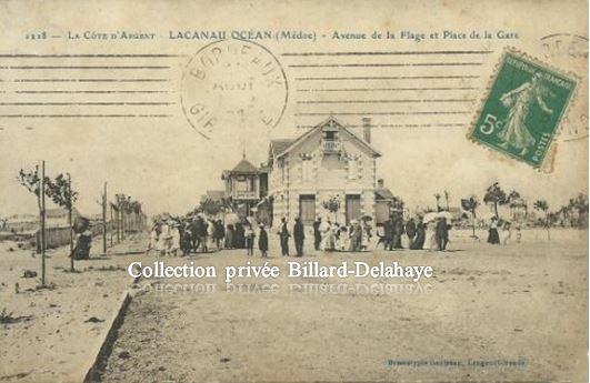 LACANAU-OCEAN (Médoc) - AVENUE DE LA PLAGE ET PLACE DE LA GARE vers 1920.
