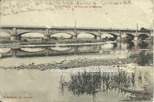 BLAINVILLE - Le Pont sur la Meurthe (un soldat est en train d'y faire des travaux)