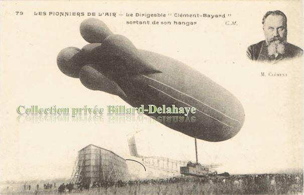 "LE DIRIGEABLE ""CLEMENT BAYARD"" sortant de son hangar vers 1910."