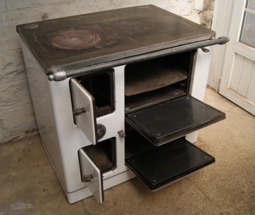 cuisini re bois charbon l e b merville nord. Black Bedroom Furniture Sets. Home Design Ideas