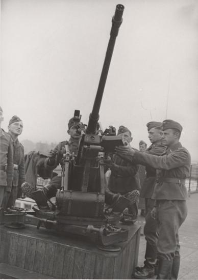 Type de matériel aux abords de Blanquefort, ici un canon anti aérien FLAK de la Luftwaffe.