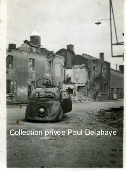 Photo prise à Oradour le 18 octobre 1944 par J. Dieudonné camarade FTP.