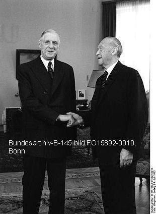 Le général de Gaulle et  le Chancellier Konrad Adenauer le 14 juillet 1963.