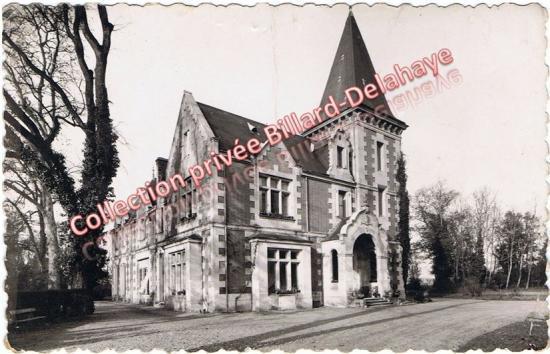 Castel, demeure de la famille Audouin dans la deuxième moitié des années 1900. Actuel hôpital de jour à  la sortie de Caychac.