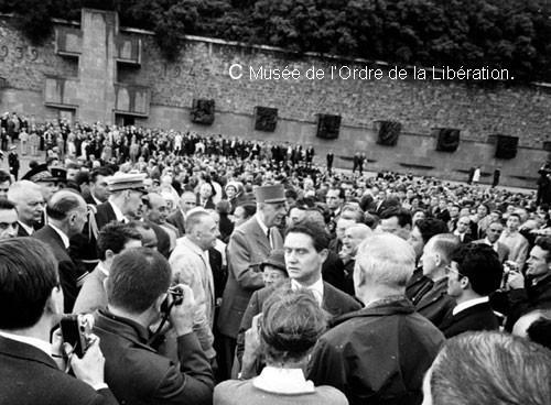 18 juin 1960, le Général de Gaulle à l'occasion de l'inauguration du Mémorial de la france combattante.