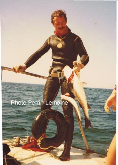 Jacky, sur son bâteau, le long de l'Atlantique. 29 ans pour l'éternité...