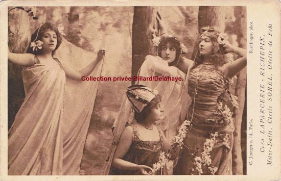Cora LAPARCERIE-RICHEPIN à gauche, Mitzi-Dalti, Cécile Sorel, Odette de Fehl, à l'Odéon. Photo Reutlinger.CPA envoyée de Chauny