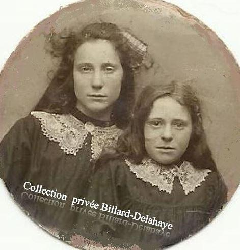 Melles PERIN, Jeanne & Claudine filles du Cafetier-Parempuyre 1922-