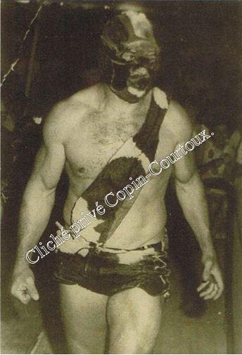 """ROGER COURTOUX :""""LA BETE HUMAINE"""",1970 salle des fêtes,dernier combat."""