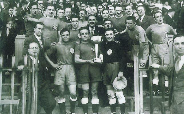 Les Girondins de Bordeaux,1ère au stade Colombes - 1er titre national.