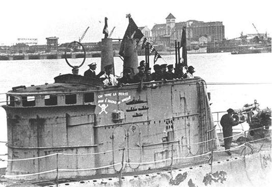 Bordeaux - 1942 - LE BARBARIGO -  Photo du Kiosque avec les officiers.