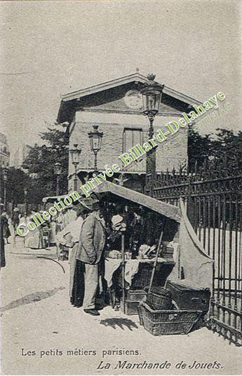 LE MARCHAND DE JOUETS.Il vendait des ballons,des cordes à sauter.