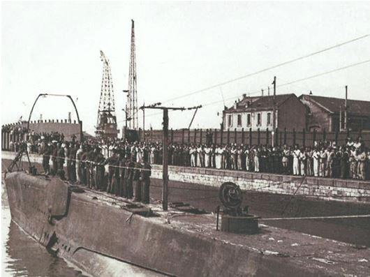 "BORDEAUX - Construction de la Base Sous - Marine ""BETASOM"" 1941 - 1942"