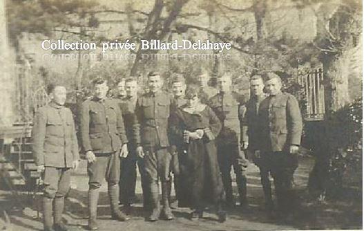 Guerre 1914/1918 - SOLDATS AMERICAINS 146th Ambulance en FRANCE.