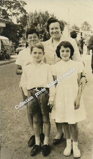 UNE MERE ET SES ENFANTS  à Cachac-Blanquefort  en 1963. Que raconte une photo de rue ?