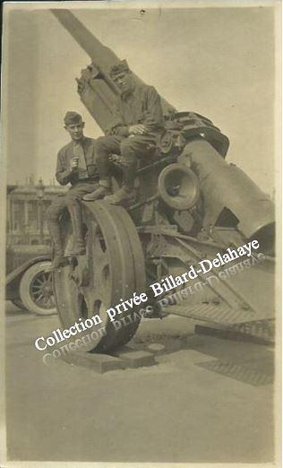 Guerre 1914/1918-  SOLDATS AMERICAINS - à Paris 4 Juillet 1917