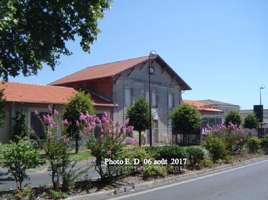 Travaux de couverture - anciennes écoles de Caychac-Blanquefort 33290.